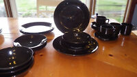 Black Stoneware Dinnerware Set Service for 4 19 pieces 3 bowls GUC Starter Set