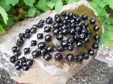 Ancien grand collier boules en opaline noire à facettes 72,5 cm