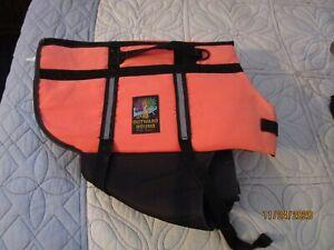 Outward Hound Pet Gear Life Jacket Sz Large 16 length 15 wide Orange Area