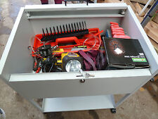 Tool Trolley con gli strumenti,