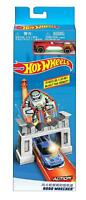 Hot Wheels Action - Robo Wrecker Vehicle Playset Includes Diecast Vehicle