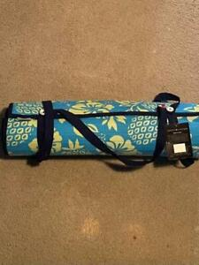 Tommy Hilfiger Mat Quilt Rollup BeachPool Lounge Yoga workout Shoulder Strap NEW