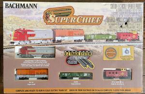 Bachmann Super Chief 24021 Santa Fe N Gauge Starter Train Set