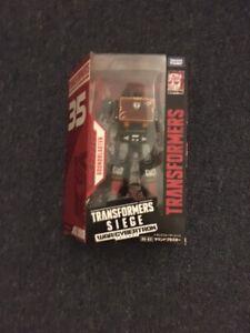 Takaratomy Mall Exclusive Transformers Siege SG-EX SOUNDBLASTER