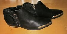 Fergie Wms Black Leather Ankle Boots w/ Studs 6 *Sharp Must C*