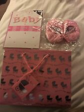 new baby girl gift bag, Card And Shoes