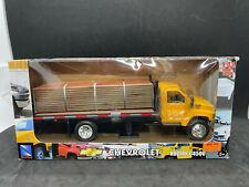 New Ray Yellow Chevrolet Kodiak C4500 Truck Die Cast 1:43 NIB