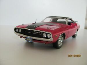 Highway 61 1970 Dodge Challenger R/T 1/24 scale