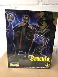 REVELL Universal Studios Monsters Dracula Model Kit 1:8 Scale New Sealed