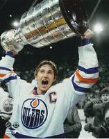 Wayne Gretzky Edmonton Oilers Cup Unsigned 8x10 Photo