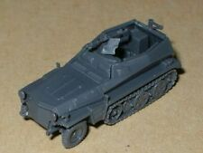 POPY Model kit 1/144 WWII German Sd.Kfz. 251/1 Half Track