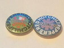 2 THE RED HOT CHILI PEPPERS READING 94 + DUBLIN 1994 BADGES MINT CHILLI