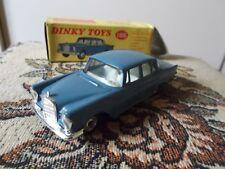 Dinky Toys England Mercedes Benz 220 SE avec boîte d'origine 186