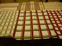 6carres de 45x43 beaux tissus pour créations diverses ,neufs  assortis  patchork