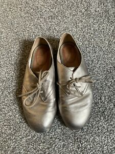 Clarks gold / pewter leather shoes size 4 37