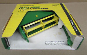 JOHN DEERE MOWER CONDITIONER NIB Old Ertl Farm Toy 1/16 #596