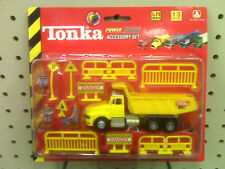 NEW - TONKA POWER TRAX ACCESSORY SET - MADE IN 2000 - MA2 DUMP TRUCK - 13 PIECES