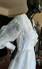 Stunning 1950s Vintage Wedding Dress Embroidered Blue Flowers Covered Buttons 34
