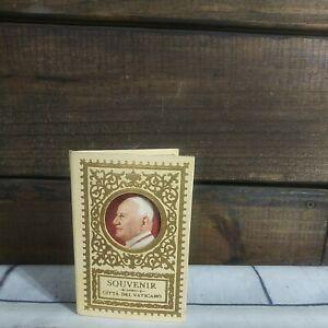 Souvenir Citta del Vaticano 12 Stamps Souvenir Gold Trim Book W/ Picture