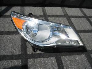 2009 2010 2011 2012 2013 2014 VOLKSWAGEN ROUTAN HEAD LIGHT LAMP HALOGEN OEM RH