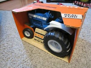 Ford New Holland Farm Toy Vehicle Tractor 8600 NIB Never Opened