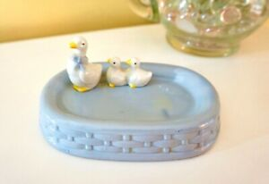 Ceramic Soap Dish with Mama Duck & 2 Ducklings, Pale Blue