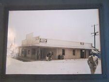 "1920'S FORD GAS PUMP STATION - ORIGINAL PHOTOGRAPH - 5"" X 7"" - NICE - TUB BP"
