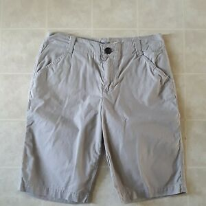 Cabela's Casuals Women's Beige Bermuda Chino Shorts Size 4 Very Nice
