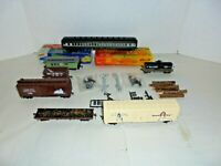 LOT OF HO SCALE FREIGHT AND PASSENGER CARS NICE LOT ELVIS BOX CAR