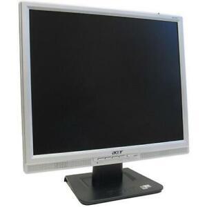 "Job Lot 19"" x 40 TFT COMPUTER PC LAPTOP MONITOR VGA 19 INCH FLAT SCREEN"