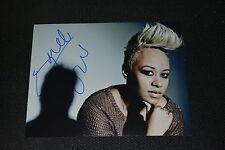 EMELI SANDÉ signed Autogramm 20x25 cm In Person