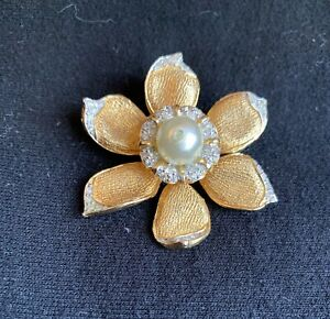Vintage Signed Nettie Rosenstein Textured Gold Tone Flower Brooch with Pearls an