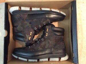 Cole Haan 4ZG Hiker Boots For Man (Black/Olive) Size 8