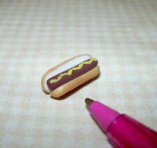 Miniature Lola Miniature Ballpark-Style Hot Dog: for DOLLHOUSE 1/12 Scale