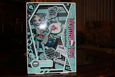 monster high 1st wave lagoona blue 2009 w/pet neptuna mint