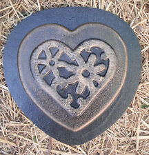 "heavy duty heart stepping stone mold  8"" x over 1"""