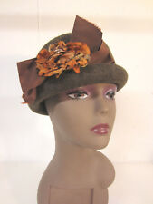 Brown WOOL Felt ROLLED BRIM CLOCHE Vintage Look w Silk Autumn Flower Detail