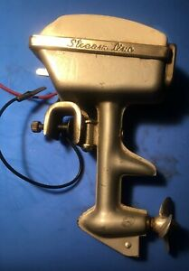 1950's Stream Line Toy Electric Outboard Motor White Untested-