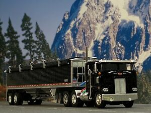 1/64 DCP BLACK 352 PETERBILT W/ WILSON GRAIN TRAILER