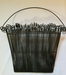 Wire Wall Hanging Black Metal   Very Unique  New