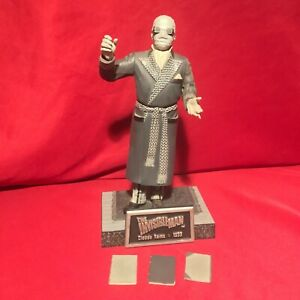 Sideshow Universal Monsters THE INVISIBLE MAN FIGURE Silver Screen Collection