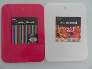 SET OF TWO ASSORTED CUTTING BOARDS