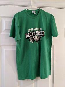 """Nick Foles Philadelphia Eagles """"Saint Nick"""" Super Bowl T-shirt Size M Rare!"""