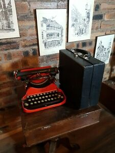 Rare Folding Typewriter  Coronet 1929 Harrods Corona, With original Case, USA