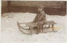 Vintage, Bübchen, ganz stolz mit dem Schlitten, Foto:um 1910 -1920, DIN A 4