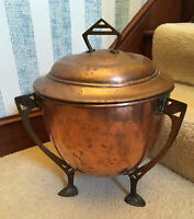 Fine Vintage Arts & Crafts Copper Coal Scuttle Art Nouveau Wood Basket Lid Fire
