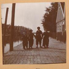 VOLENDAM c. 1900 -  Jeunes Garçons Costumes Traditionnels Pays Bas - FD Hol 149