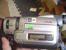 Sony CCD-TRV75 Hi 8 mm Camcorder bundle w Accessories