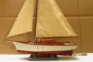 VINTAGE POND SAILBOAT EXCELLENT CONDITION