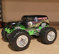 Hot Wheels MONSTER JAM 1:64 SILVER GRAVE DIGGER 4x Champ BAD TO THE BONE